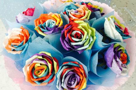 区爱心购 手工剪纸花 手捧七彩玫瑰